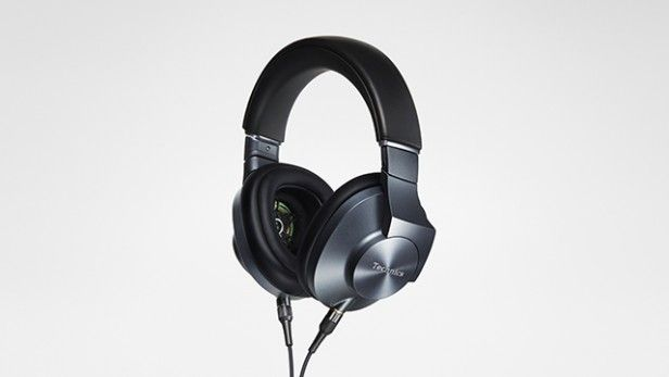 Technics-Premium-Stereo-Headphones-EAH-T700-Main-distant-slant